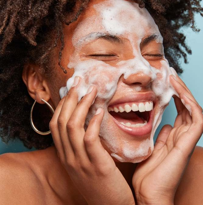 Choosing the Right Face Wash for Your Skin Type: The Complete Guide