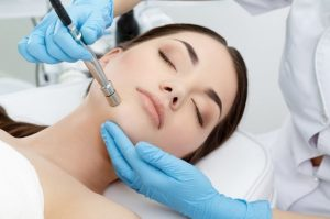 microdermabrasion treatment of a woman